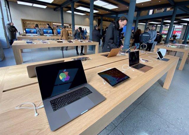 Apple inicia la reapertura de sus tiendas en España, pero mantiene cerradas las