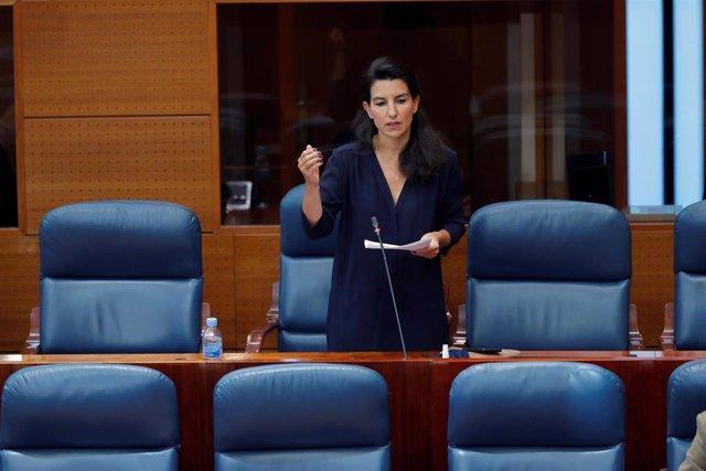 La portavoz de Vox, Rocío Monasterio, durante su intervención en un pleno celebrado en la Asamblea de Madrid, en Madrid (España), a 28 de mayo de 2020.