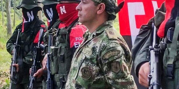 4. El partido gobernante de Colombia urge a Cuba a extraditar a los guerrilleros el ELN para dejar la 'lista negra' de EEUU
