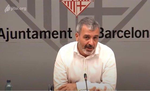 El primer tinent d'alcalde de Barcelona, Jaume Collboni, en una roda de premsa telemàtica en la qual ha anunciat que l'Ajuntament destinarà 7,5 milions en crèdits i subvencions a cooperatives