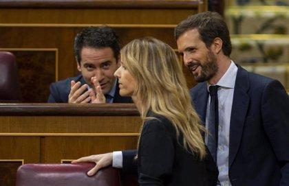 Álvarez de Toledo se siente respaldada por Casado, no le interesan las críticas y no piensa dejar la Portavocía