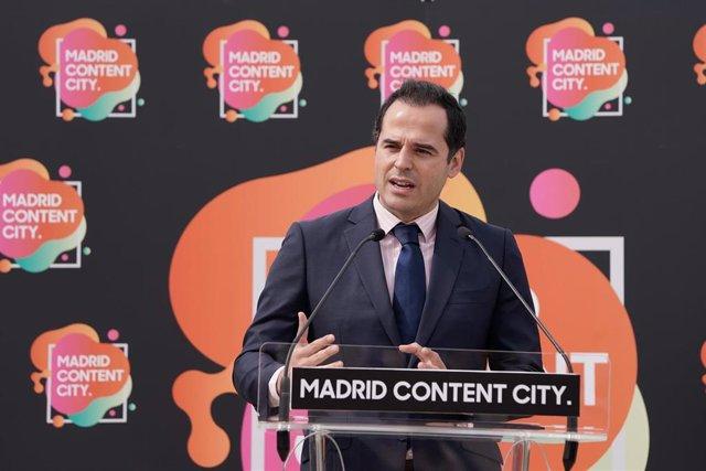 El vicepresidente de la Comunidad de Madrid, Ignacio Aguado, durante el acto de colocación de la primera piedra de ls fases II y III del hub de producción audiovisual Madrid Content City.