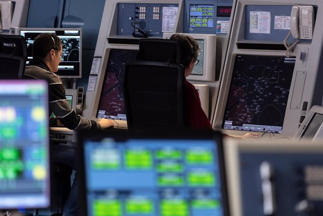 Centro de control del aeropuerto de Valencia.