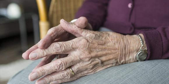 2. Pacientes piden priorizar la protección de los mayores en la Comisión de Reconstrucción Social y Económica