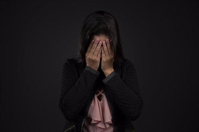 La discriminación sufrida por los adolescentes podría afectar a la salud de sus madres, según un estudio.
