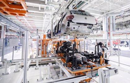 Moody's confirma los rating de Volkswagen y BMW pero rebaja su perspectiva a 'negativa' por el Covid