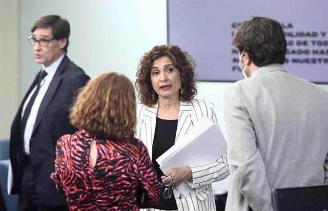 La ministra portavoz y de Hacienda, María Jesús Montero, al finalizar la comparecencia en rueda de prensa posterior al Consejo de Ministros en Moncloa donde han informado sobre novedades en la crisis del Covid-19, en Madrid (España), a 2 de junio de 2020.