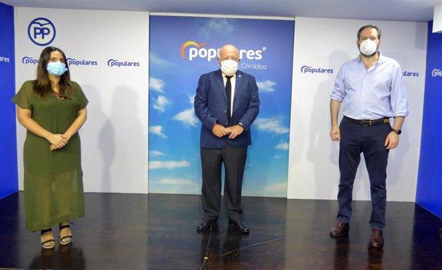 Beatriz Jurado, Jesús Aguirre y Adolfo Molina