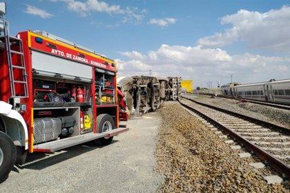 Dos muertos, uno de ellos un joven maquinista de A Coruña, tras descarrilar un tren Alvia en Zamora