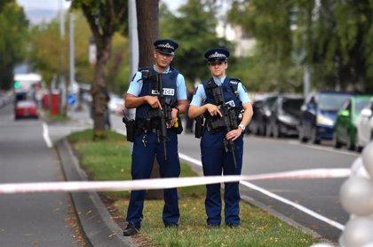 Acusados de homicidio tres policías de Nueva Zelanda por la muerte de un detenido el año pasado