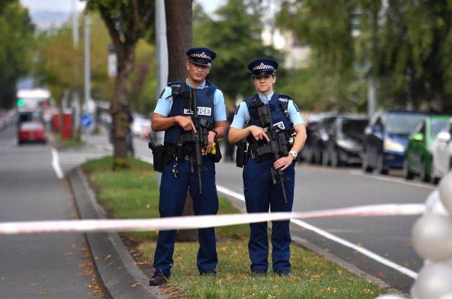 N.Zelanda.- Acusados de homicidio tres policías de Nueva Zelanda por la muerte d
