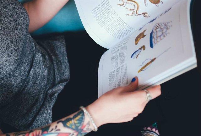 Adolescente, estudiar