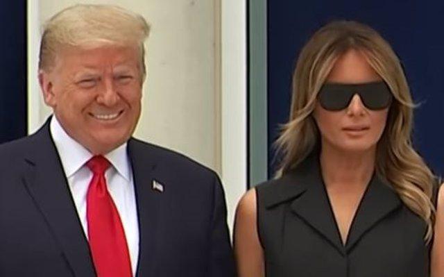Donald Trump y Melania Trump, imposible poder sonreír oculta su rostro con gafas de sol