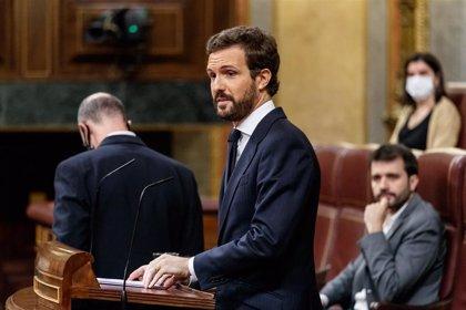 """Casado culpa a Sánchez de las """"purgas"""" en la Benemérita y dice que protege a Marlaska porque le sirve de """"escudo humano"""""""