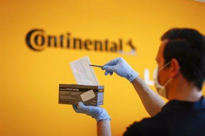 Continental recorta su propuesta de dividendos y sus directivos renuncian a parte de su sueldo