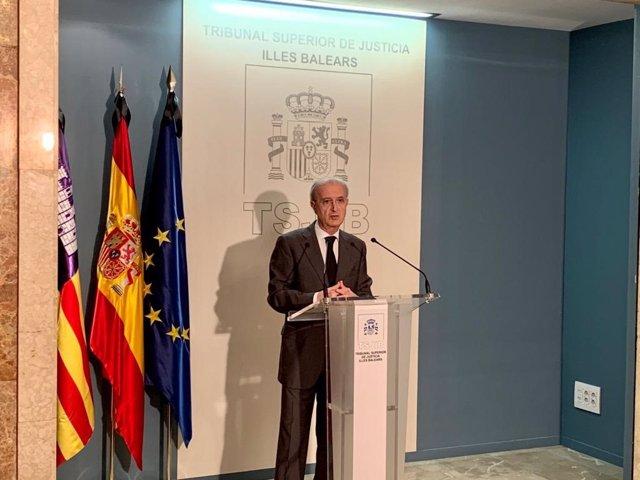 El presidente del TSJIB, Antoni Terrasa, en rueda de prensa.