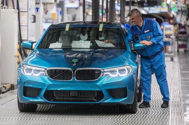 Alemania.- La tasa de paro en Alemania se dispara al 6,3% en mayo por la crisis,