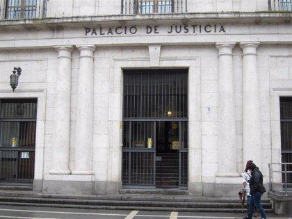 El acusado de violar a una mujer en el comedor de un bar en un pueblo de Valladolid opta por guardar silencio