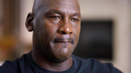 ¿Por qué Michael Jordan tiene los ojos amarillos en The Last Dance?