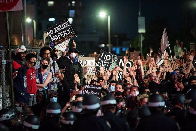 """EEUU.- Bruselas sobre las protestas en EEUU: """"En Europa movilizamos las tropas s"""