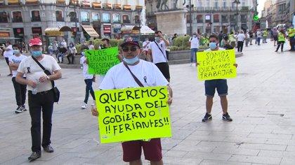 """Los feriantes se concentran en Madrid reclamando estar """"en alguna fase de la desescalada"""""""