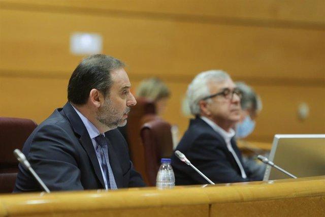 El ministro de Transportes, Movilidad y Agenda Urbana, José Luis Ábalos, durante su comparecencia en el Senado en comisión de su departamento. En Madrid (España), a 3 de junio de 2020.