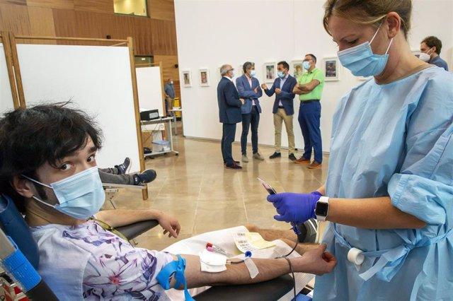 Donación de sangre en la Biblioteca Central de Cantabria