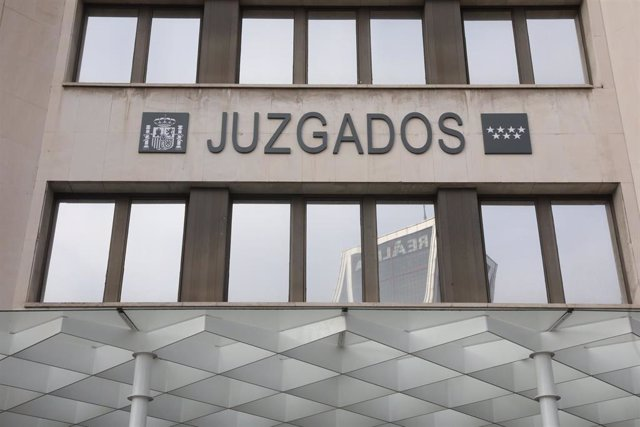 Entrada de los Juzgados de Plaza de Castilla.