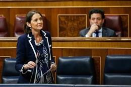 La ministra de Industria, Comercio y Turismo, Reyes Maroto, en la sesión de control al Gobierno en el Congreso este miércoles