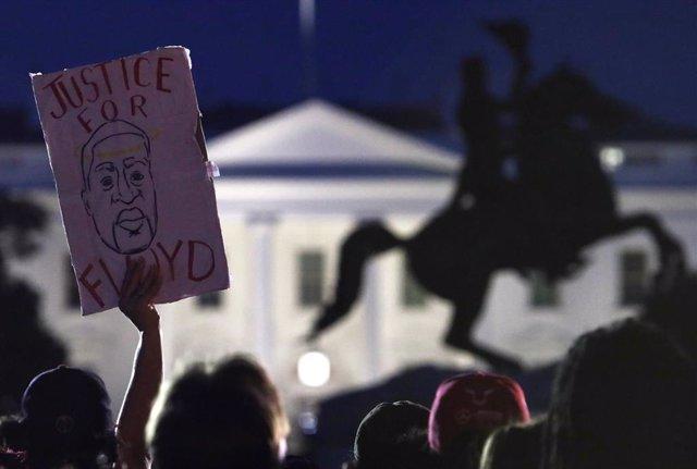 Manifestación por la muerte de George Floyd delante de la Casa Blanca