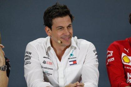 """Toto Wolff: """"La opción de Vettel es para pensarla"""""""