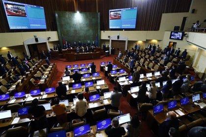 La Cámara de Diputados de Chile aprueba la ley que limita la reelección de parlamentarios tras 14 años de trámites