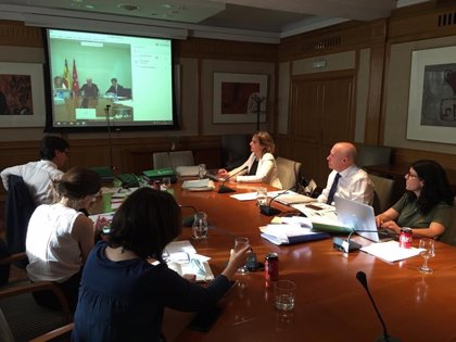 El Ministerio de Sanidad y Madrid se reúnen este jueves para analizar la petición de pasar a la Fase 2