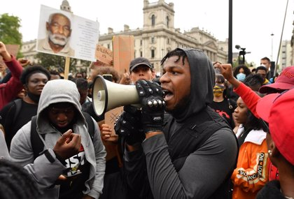 """Emotivo y poderoso discurso de John Boyega: """"No sé si tendré una carrera después de esto, pero a la mierda"""""""