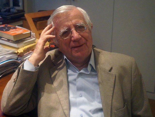 Tomás Alcoverro.