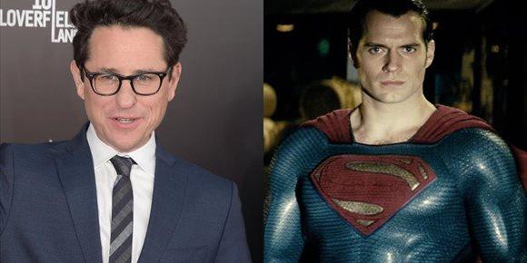 2. ¿Dirigirá J.J. Abrams la nueva película de Superman con Henry Cavill?