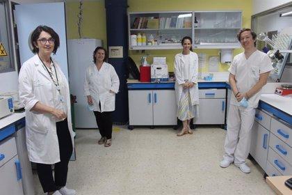 Un total de 700 pacientes de la Axarquía se benefician del envío de medicamentos a domicilio