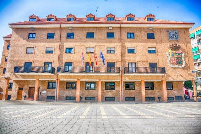 Imagen de la fachada del Ayuntamiento de Móstoles (Madrid).