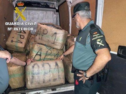 Intervenidos 1.184 kilos de hachís en Isla Cristina (Huelva) en una operación con cinco detenidos