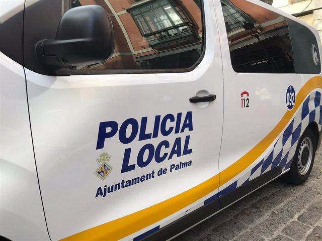 Vehículo de la Policía Local de Palma.