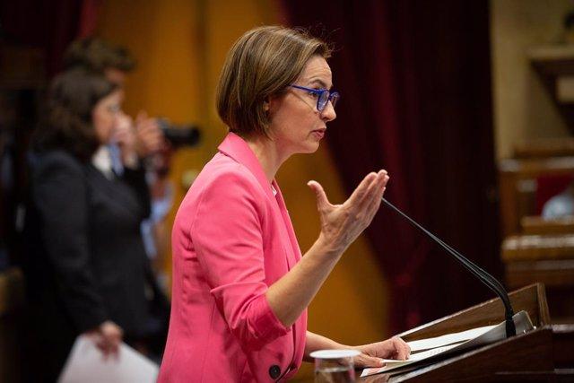 Anna Caula (ERC) en el ple del Parlament en una imatge d'arxiu.