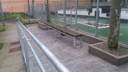 Barakaldo invierte 32.223 euros en una rampa peatonal para mejorar la accesibilidad en la bolera de San Vicente