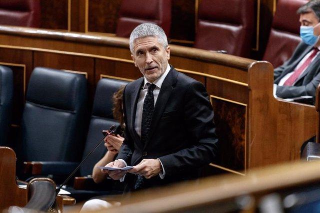 El ministro del Interior, Fernando Grande-Marlaska, durante la sesión de control al Gobierno en la que se ha cuestionado su destitución del coronel Pérez de los Cobos, en Madrid, (España), a 3 de junio de 2020.