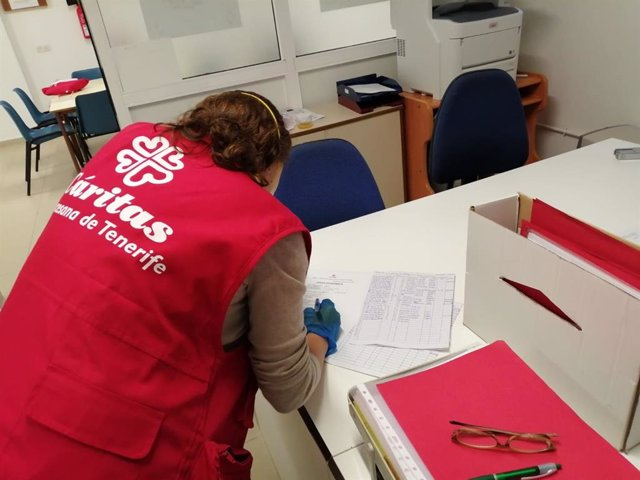 Voluntaria de Cáritas en Tenerife