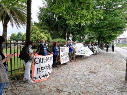 Varios colectivos reclaman ante la Consellería de Medio Ambiente el cierre del vertedero de Grixoa-Miramontes