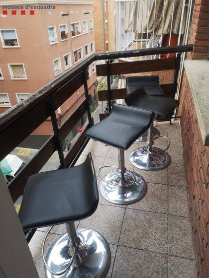 Denunciado en L'Hospitalet (Barcelona) por abrir un bar clandestino en su piso