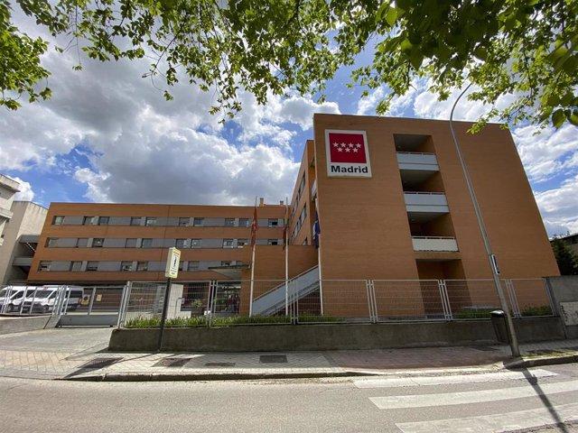 Fachada de la Residencia Usera Domus VI, en Madrid.