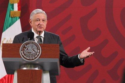 """López Obrador dice que """"no mentir"""" y """"no robar"""" ayuda a no contagiarse de coronavirus"""