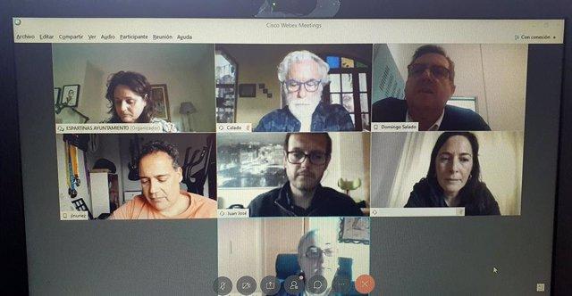 Reunión telemática de la alcaldesa de Espartinas (Sevilla) con varios portavoces políticos