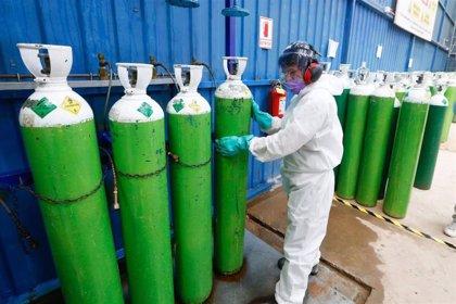 """Coronavirus.- Perú declarará el oxígeno como un producto de """"interés nacional"""" ante la escasez por la pandemia"""